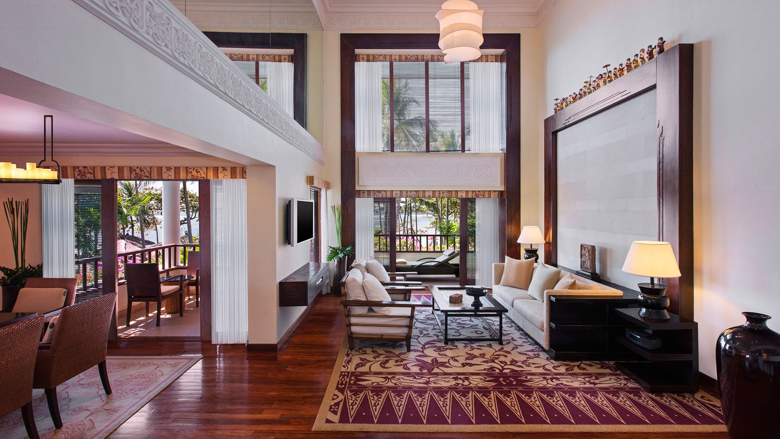 Discover the suites at the laguna bali resort nusa dua for Lounge room suites