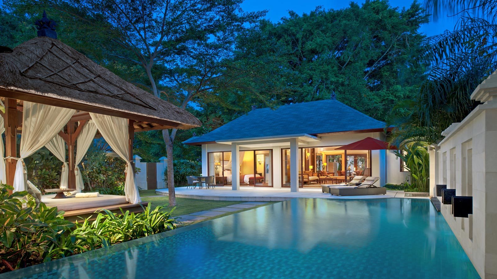 Discover the villas at the laguna bali resort nusa dua for The one hotel bali